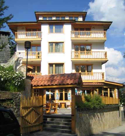 Хотелска сграда, град Чепеларе